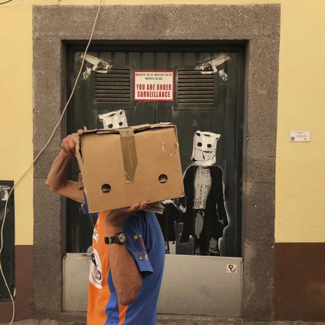 photo reportage frais surlevif spontane humour decale rue passant